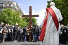 14/04/17 : Vendredi saint, Chemin de Croix des Champs-Elysées