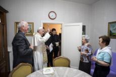 19/05/17 : Visite surprise du pape François à Ostie, Italie.