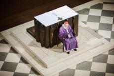16/12/17 : Le Card. VINGT-TROIS, arch. de Paris, prend congé de sa charge