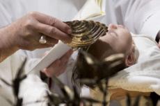 07/01/18 : Le Pape baptise 34 nouveau-nés au Vatican.