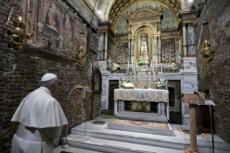25/03/19 : Pape signant l'exhortation apostolique sur les jeunes