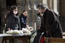 25/03/20 : Distribution alimentaire aux plus démunis dans une paroisse.